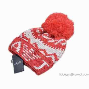 045367bc209 Confort Style Bonnet a pompon Armani